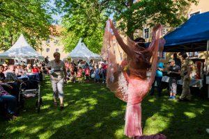 orientalische Tänzerin bei ihrer Show